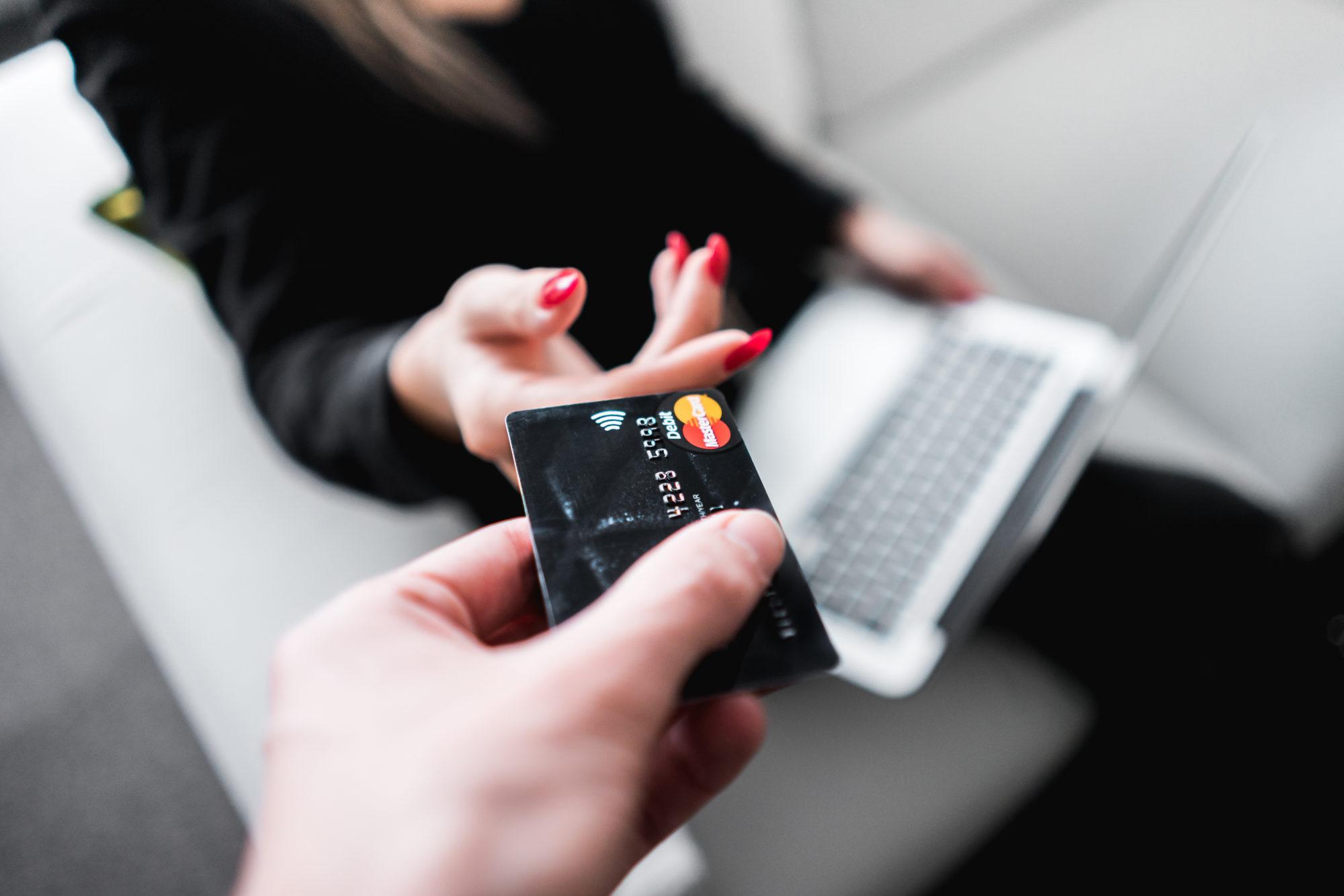 クレジットカードの謎の請求